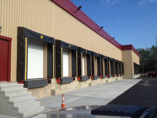 dock levelers and shelters